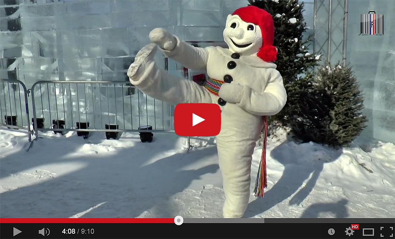 Se rougir les joues avec bonheur, au Carnaval de Québec (Qc-ca).